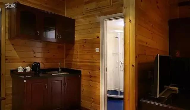木屋配上木栅栏,居住感全面升级