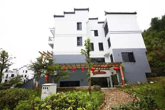 徽派建筑别墅群,内部装潢由主人精心设计